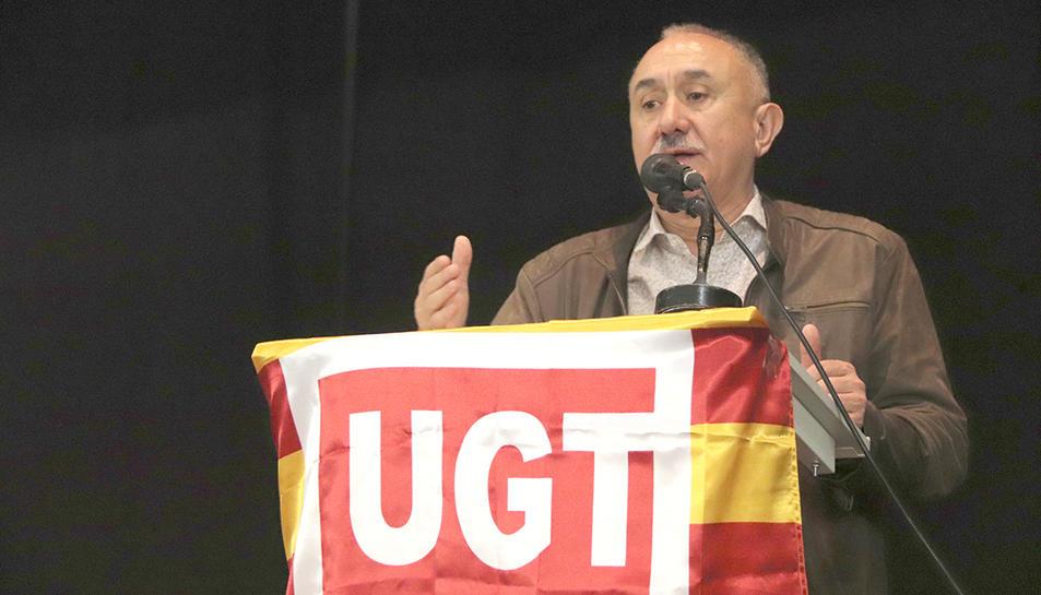 El secretari general d'UGT, Josep Maria Álvarez, durant la seva intervenció en l'assemblea celebrada al centre cívic de Torreforta