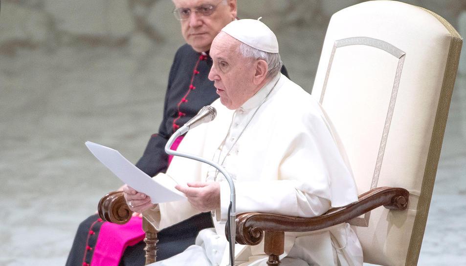 El papa durant una audiència pública al Vaticà.