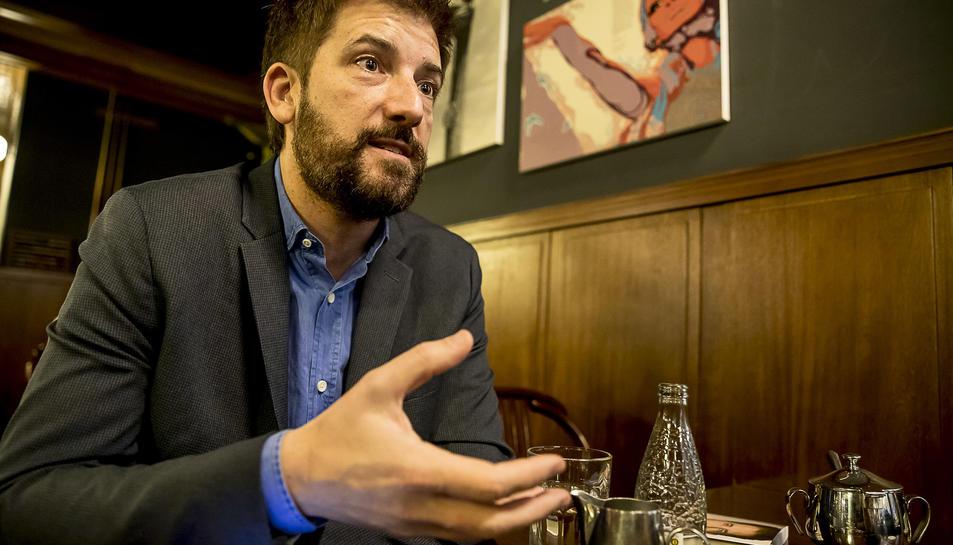 El presentador del teleNotícies de TV3, Toni Cruanyes.
