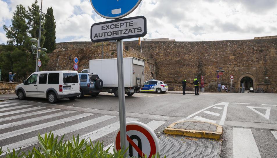 EL PSC vol que es circuli a 30k/h pel centre de Tarragona.