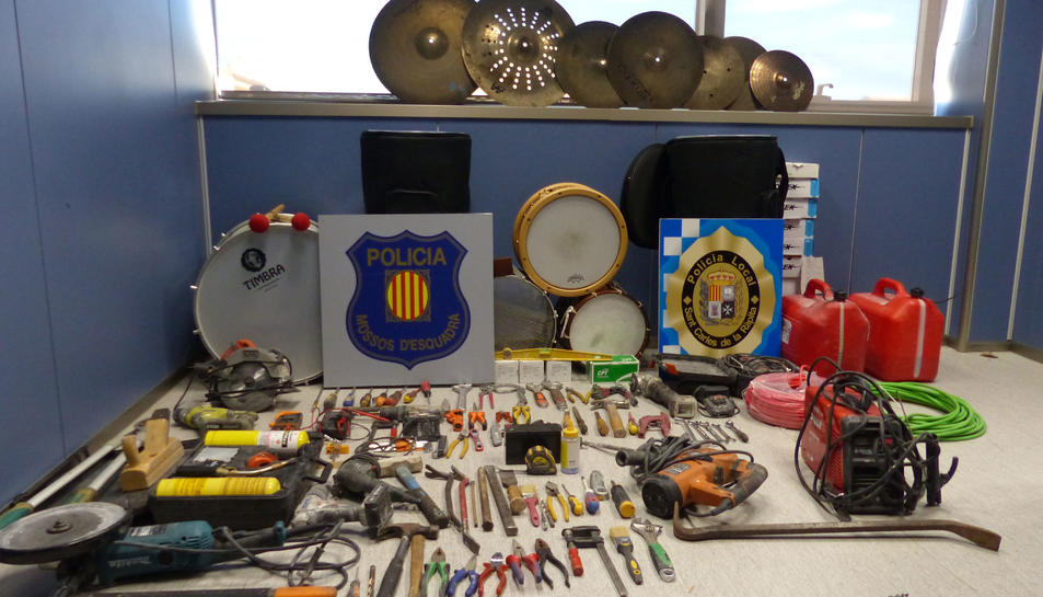Els instruments ja han estat retornats a l'associació musical.
