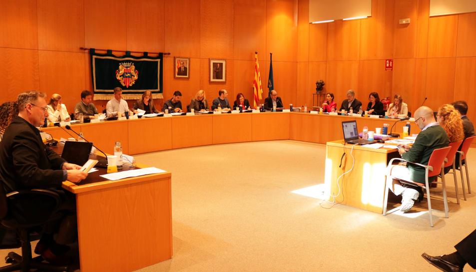 Imatge del ple de pressupost a l'Ajuntament de Cambrils.