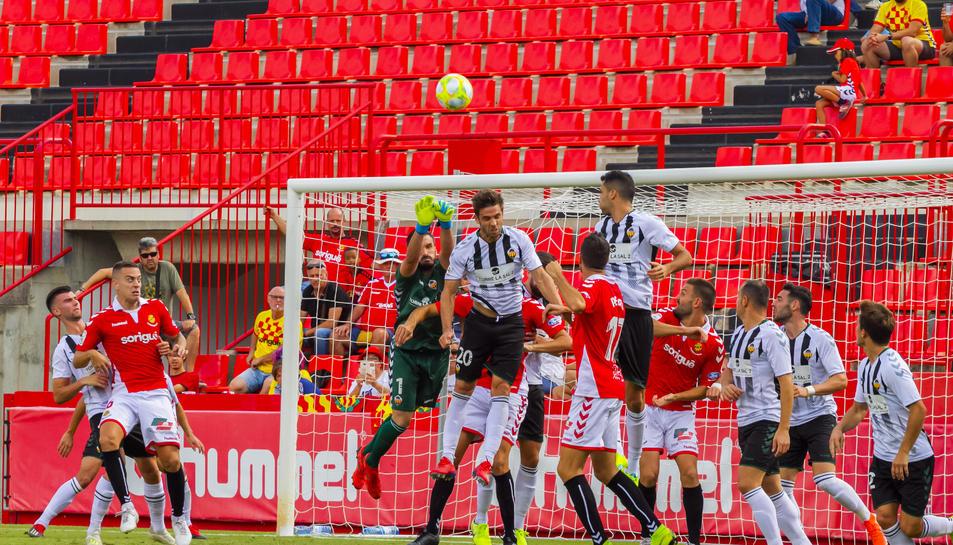 El partit de la primera volta entre Nàstic i Castellón disputat al Nou Estadi va finalitzar en empat a 1 amb gol de Brugui.