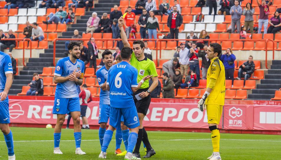 Els jugadors del Lleida en el partit disputat diumenge contra el Nàstic al Nou Estadi.