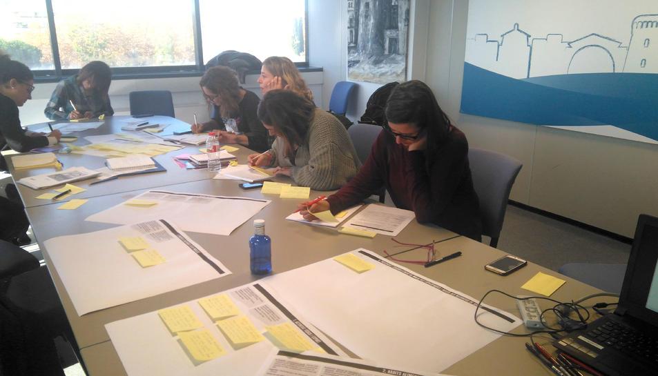 Imatge d'una de les sessions de la primera fase del pla.