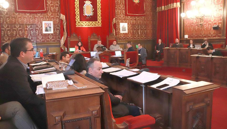 El saló de plens de l'Ajuntament de Tarragona, durant la sessió plenària d'aquest divendres.