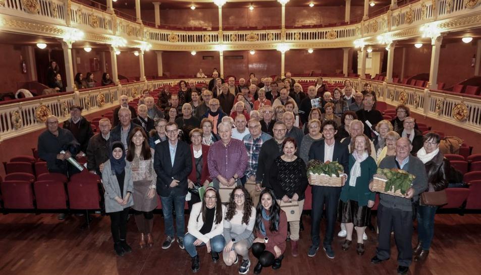 Imatge dels participants a la celebració, al teatre Bartrina de Reus.