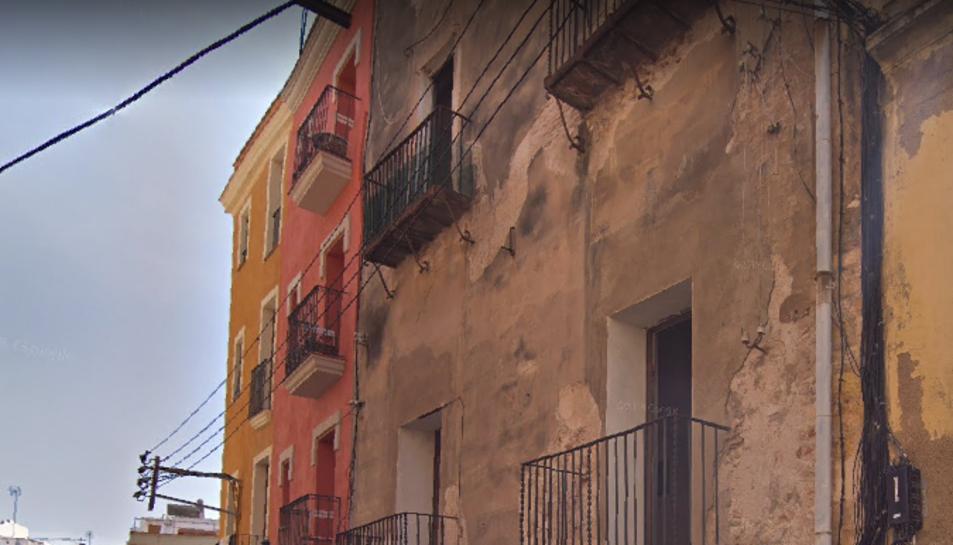 Façana de la Casa de les Ànimes, al carrer Arc de Sant Llorenç.