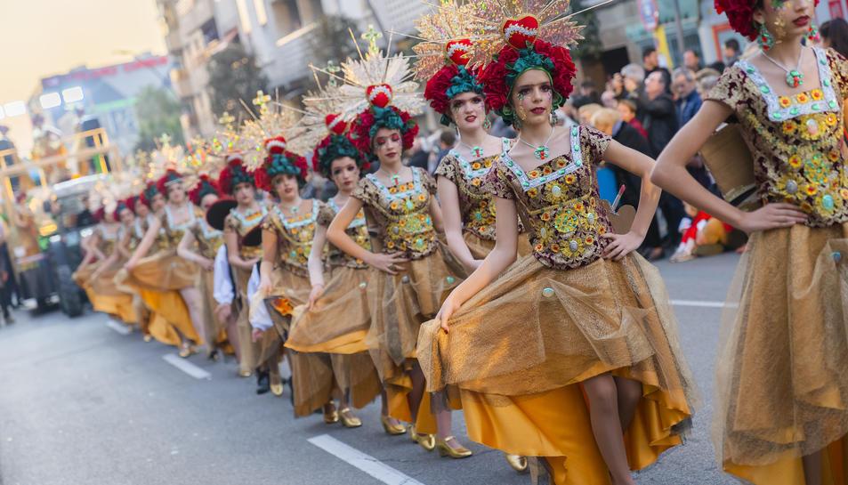 La comparsa de les Carmelites, amb les membres disfressades de Frida Khalo.