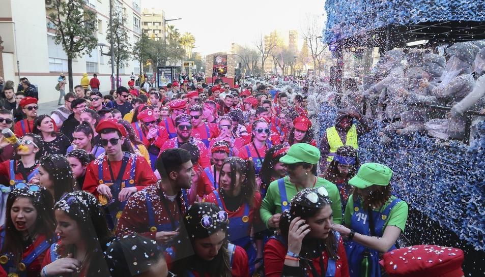Batalla de Confeti del Carnaval de Reus. 01