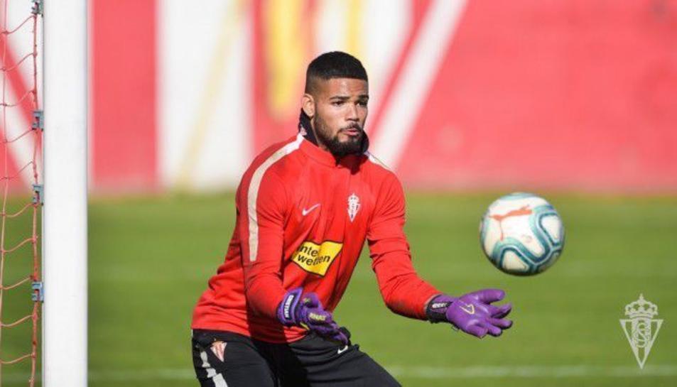 Christian Joel en un entrenament amb el filial de l'Sporting.