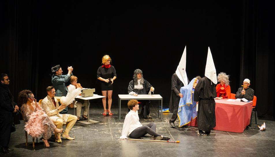 L'Antiga Audiència va acollir la lectura del Judici del Rei Carnestoltes i el Teatre Tarragona va ser l'escenari on es va dur a terme la quinzena edició del certamen Drag Queens i Drag King.