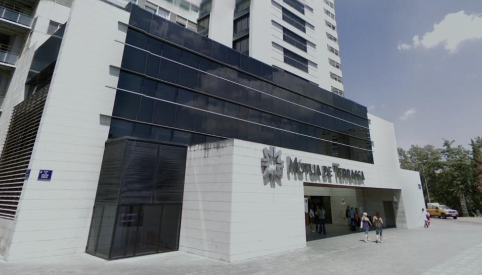 L'home es troba aïllat a la planta número 15 de l'HospitalMútuade Terrassa.