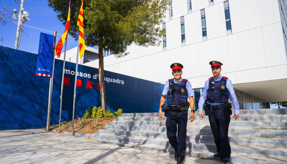 Els dos agents dels Mossos d'Esquadra, Jordi i Josep, han explicat a Diari Més els fets d'aquell estiu del 2015 a Ciutat Vella, Barcelona.