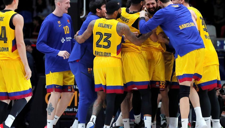 Els jugadors del Barça celebrant la victòria contra el CSKA.