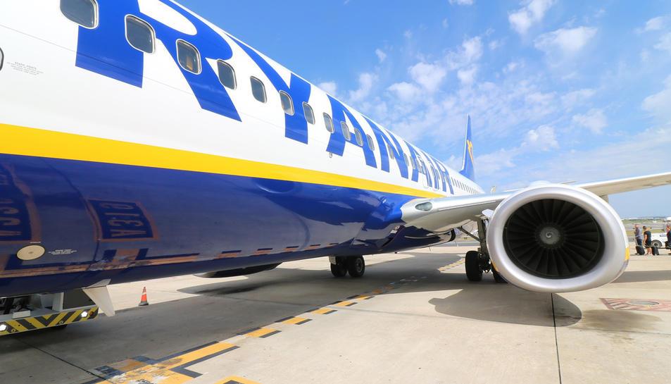 Imatge d'un avió de Ryanair