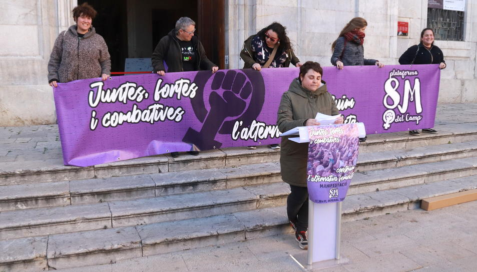 Pla general de la presentació dels actes commemoratius del Dia Internacional de la Dona.