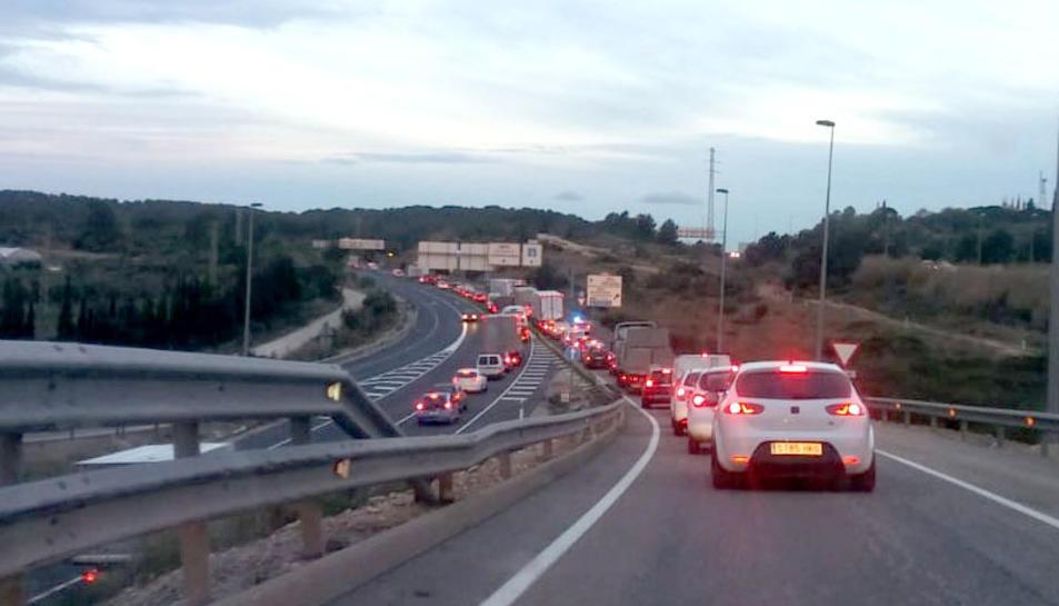 L'accident s'ha produït a l'N-340 en sentit Tarragona.