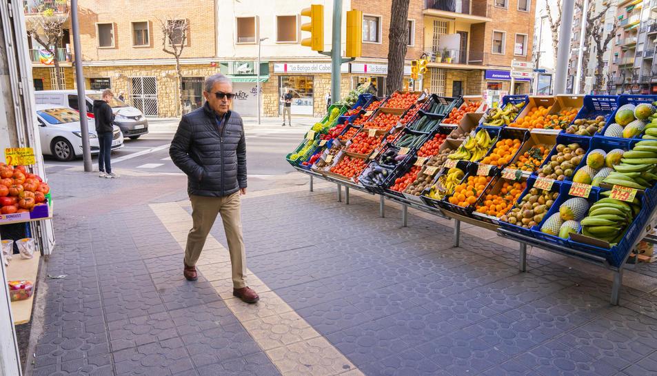 Els punts de venda de fruites i verdures situats al carrer no es podran posar els mesos d'estiu.