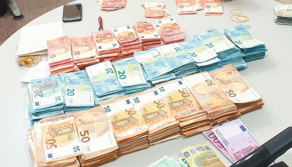 Els bitllets sumaven més de 115.000 euros de curs legal.