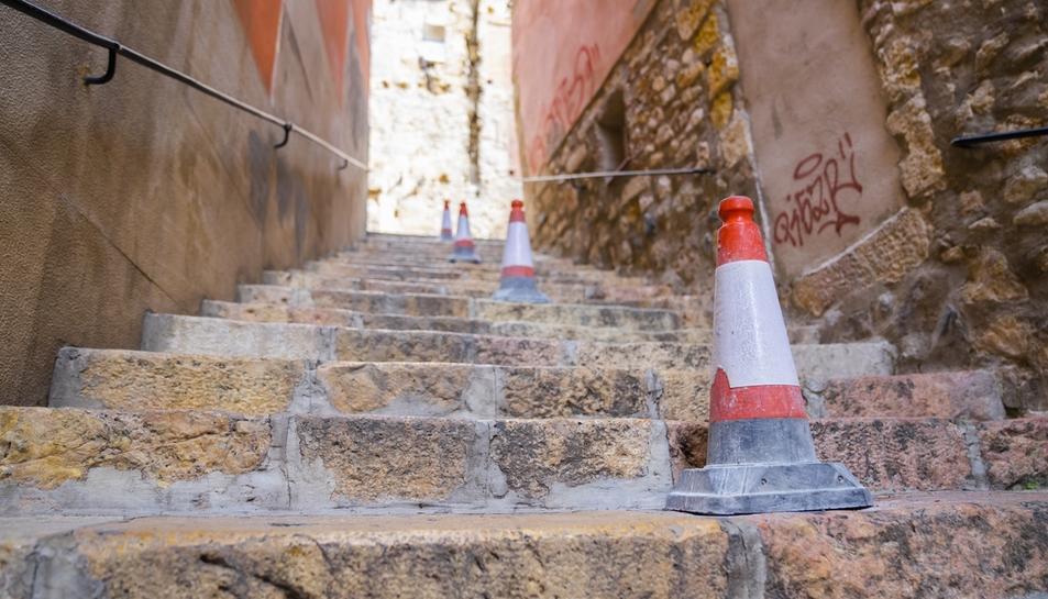 Imatge de les Escales d'en Arbós sense la barana.