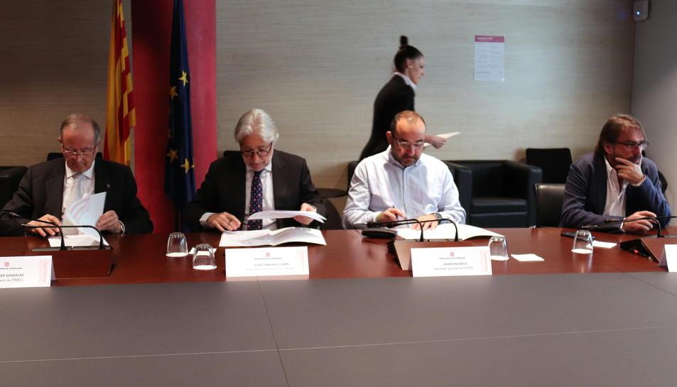 Pla obert de la signatura de l'acord per regular legalment la participació institucional de les organitzacions sindicals i empresarials a Catalunya entre CCOO, UGT, Pimec i Foment.