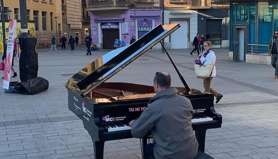 El piano estarà instal·lat a la plaça Corsini al llarg de tot el divendres.