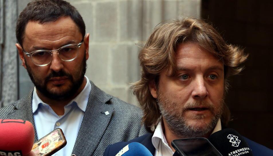 El regidor d'Esports de Barcelona, David Escudé, davant del director del Consell Català de l'Esport, Antoni Reig