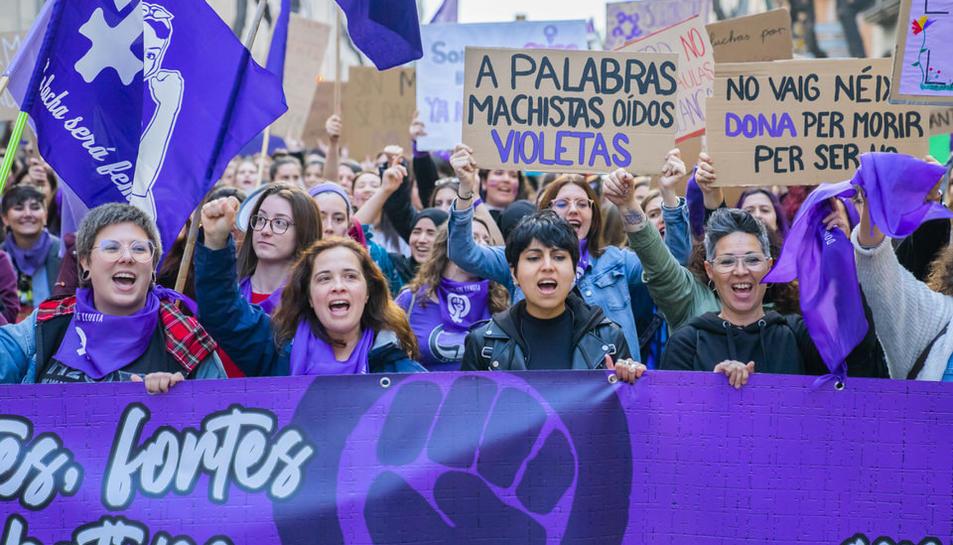 Recull de les millors imatges de la manifestació del Dia de la Dona a Tarragona