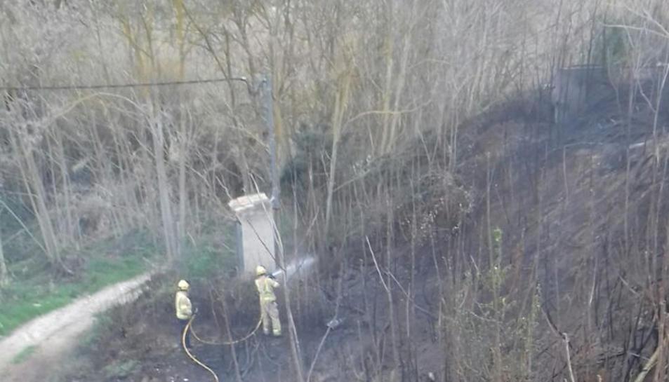 Imatge de l'incendi d'aquesta tarda a Gandesa