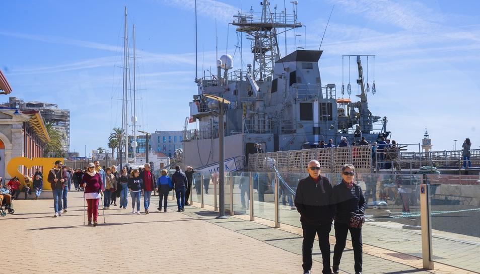 Portes obertes del vaixell de l'Armada, el Vigía