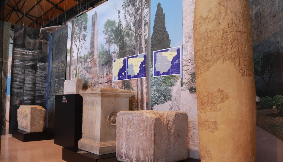 Peces de gran valor històric i patrimonial que el MNAT mostra a l'exposició del Moll de Costa.