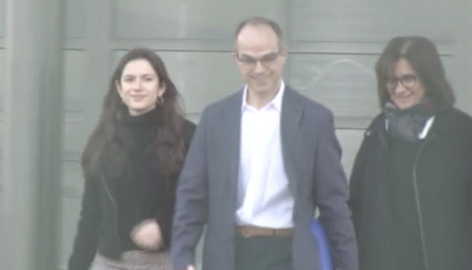 Captura de vídeo de la sortida de Turull de la presó.