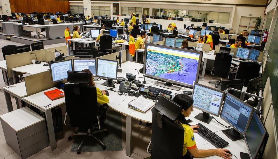 Imatge del centre de recepció de trucades del 061 CatSalut Respon.