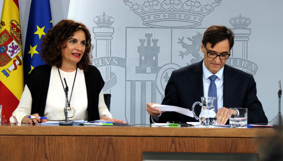 La portaveu del congrés, Maria Jesús Montero i el ministre de Sanitat.