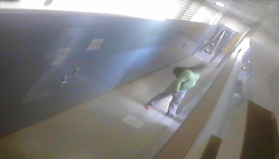 El detingut en una captura de vídeo d'una càmera de seguretat.