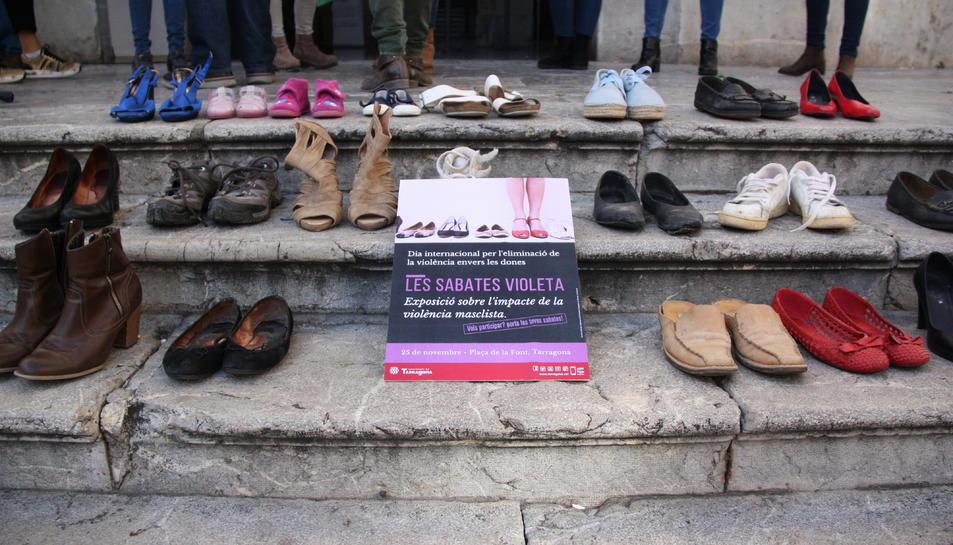 El passat 25 de novembre a Tarragona una 'performance' amb sabates simbolitzava els assassinats.