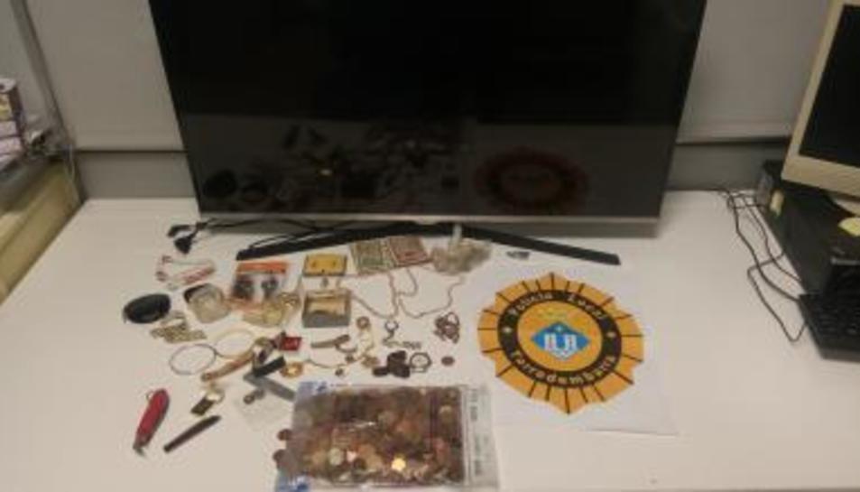 Imatge dels objectes recueprats.
