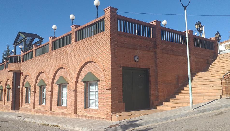 Edifici de la Llar de Jubilats i Pensionistes de Creixell.