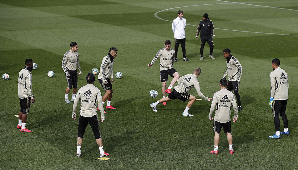 Imatge de l'entrenament dels jugadors del Real Madrid aquest dijous a Valdebebas.
