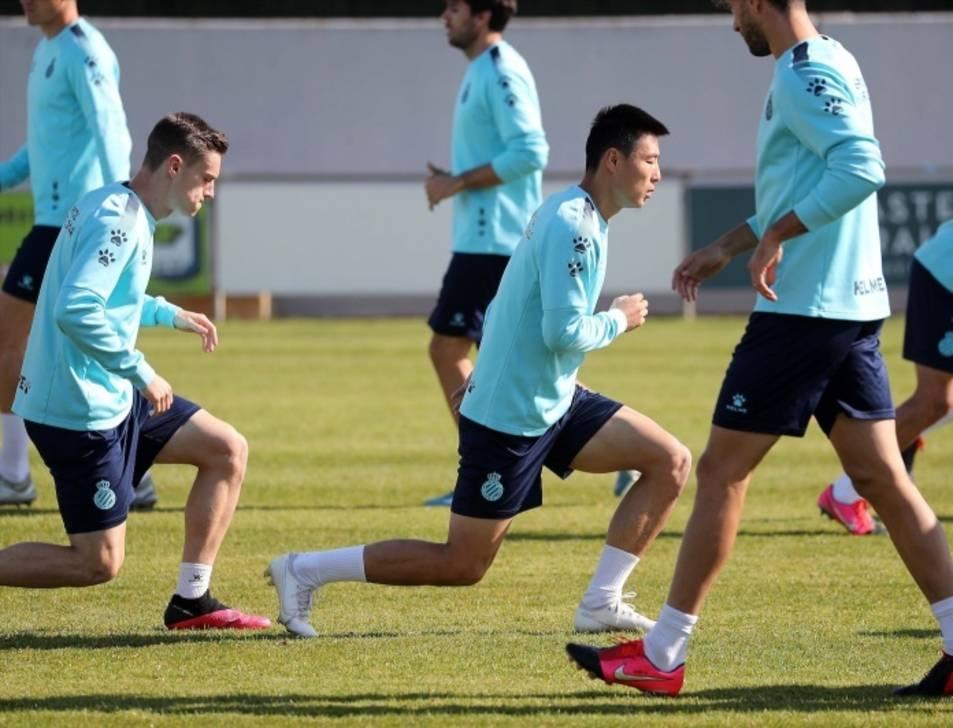 Jugadors de l'Espanyol entrenant