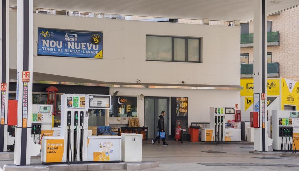 A l'estació de servei Repsol de Torres Jordi la benzina de 95 anava ahir a 1,199 euros el litre.