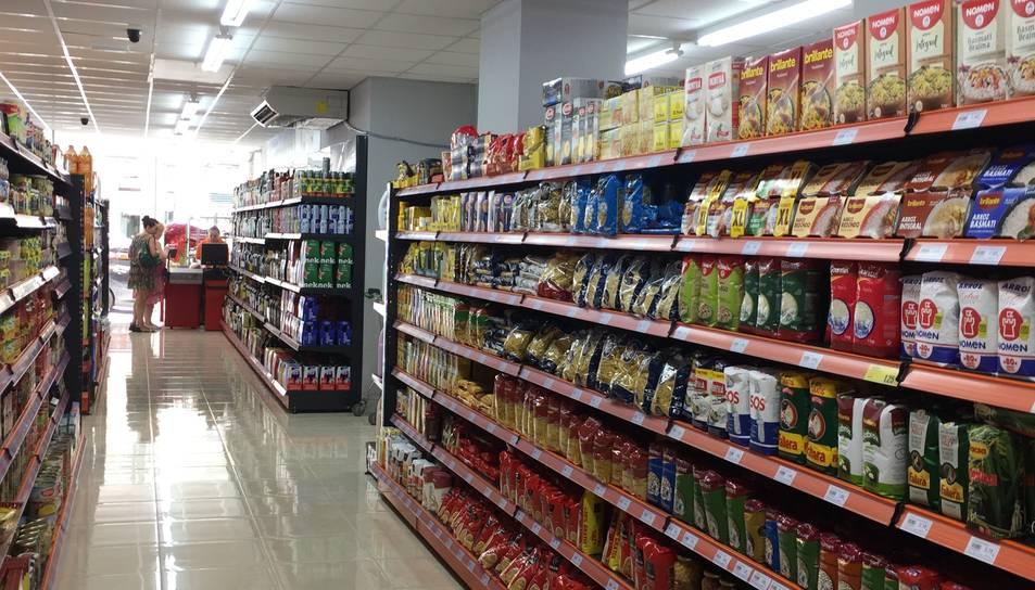Imatge d'arxiu de l'interior d'un supermercat.