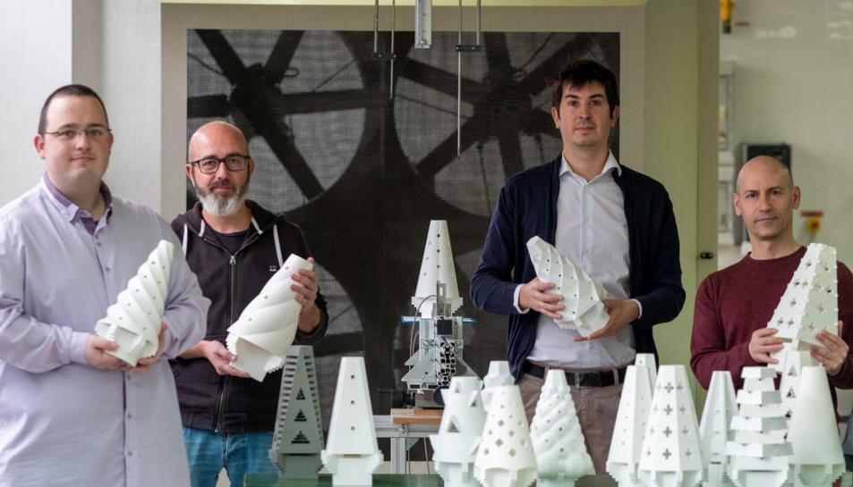Pallarès, segon per l'esquerra, amb els altres tres investigadors de la URV que han fet l'estudi.