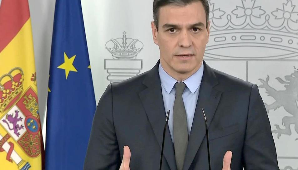 Captra del senyal de vídeo de la Moncloa ambla roda de premsa de dissabte de Pedro Sánchez.