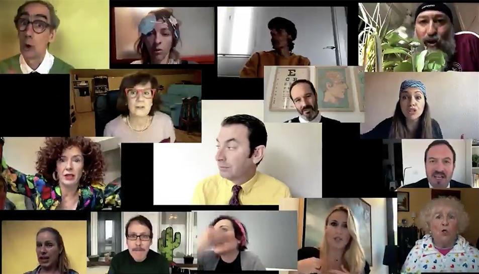 Captura del vídeo que han realitzat els protagonistes de 'Cámera Café'