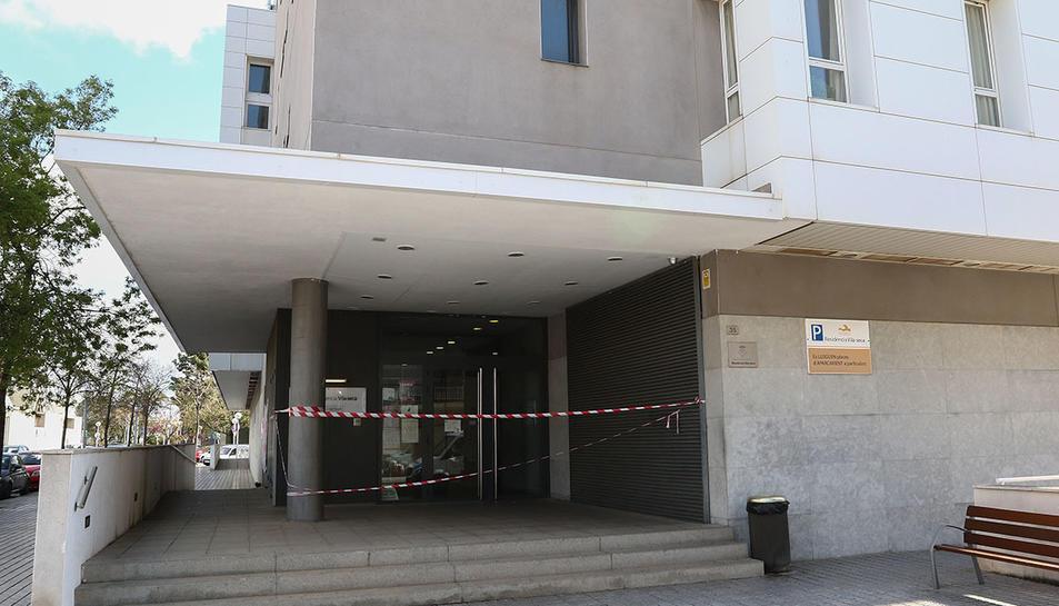 Imatge de la Residència de Vila-seca, amb l'accéstncat pel coronavirus.