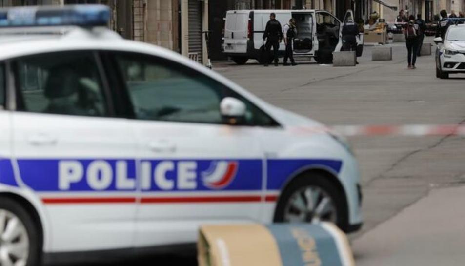 Imatge d'arxiu d'un vehicle policial de França