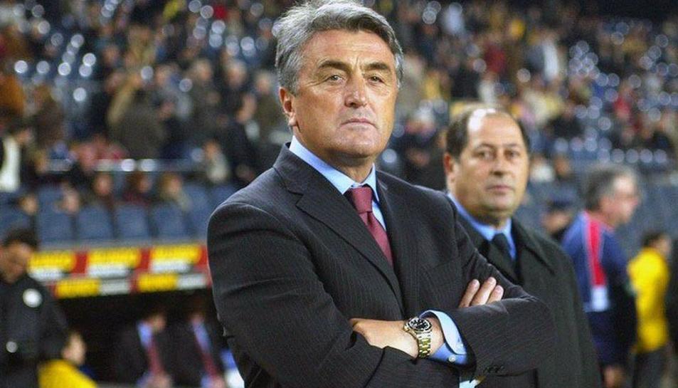 Antic va ser entrenador de l'Atlético de Madrid, Real Madrid i FC Barcelona.