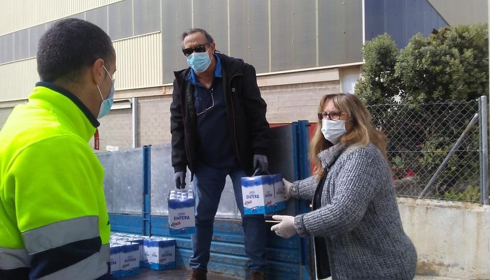 Voluntaris del Punt de Distribució d'Aliments de Roda de Berà.